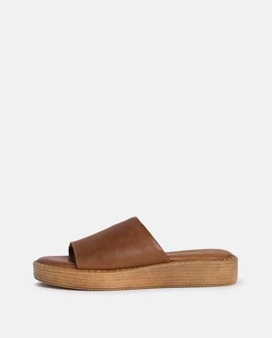Hnedé papuče Tamaris