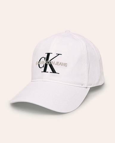 Biela čiapka Calvin Klein Jeans