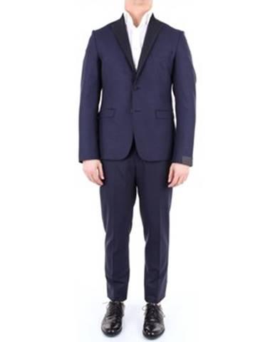 Viacfarebný oblek Alessandro Dell'acqua